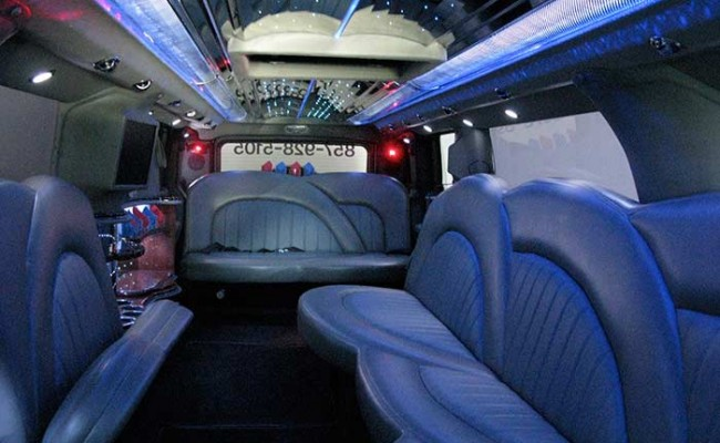 Hummer-Limousine13